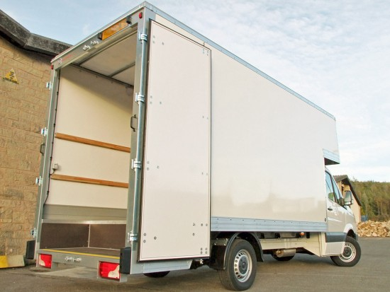 16 foot Dropwell Luton Box Van VW Crafter 07