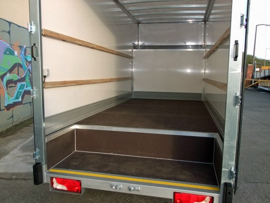 16 foot Dropwell Luton Box Van VW Crafter 08