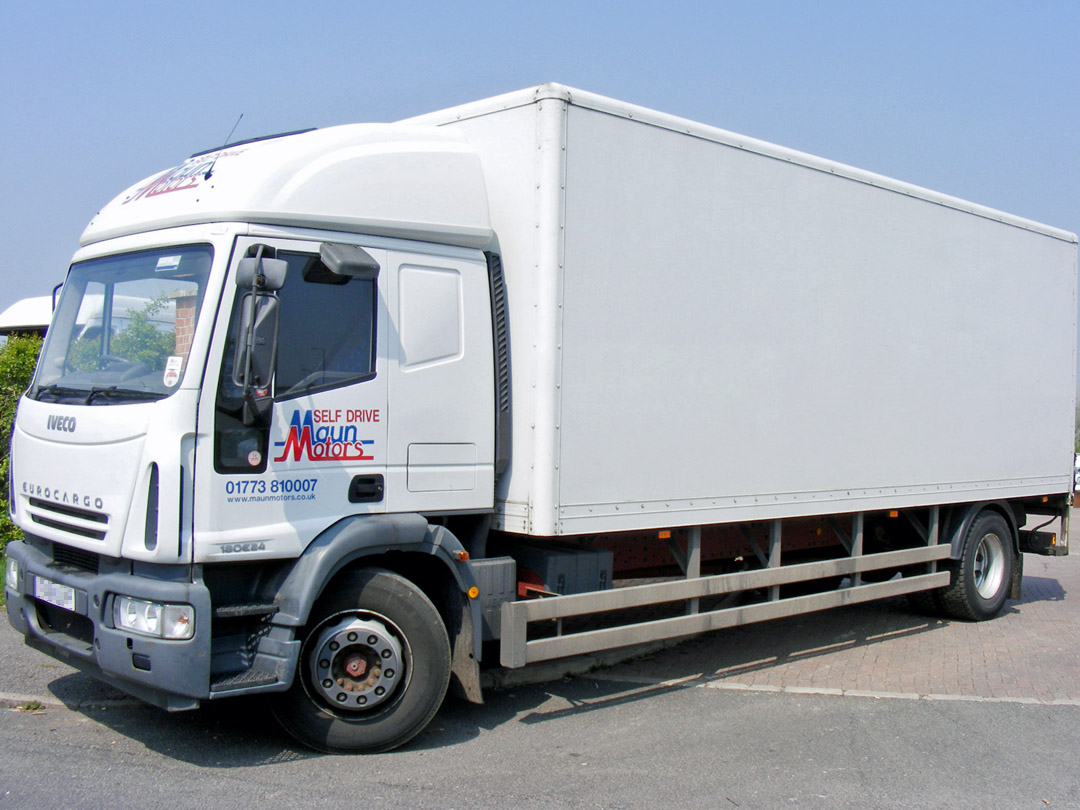 18t Box Van with Tail Lift Hire - Day Cab