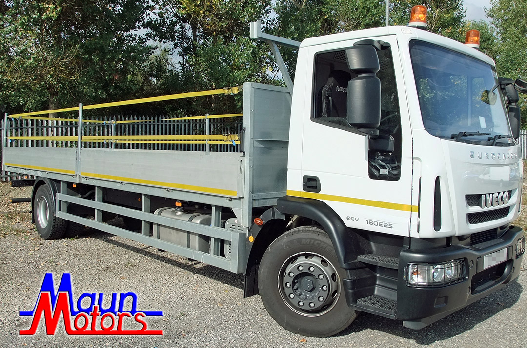 18t Dropside Flatbed Lorry - 22 foot / 6.7 m - Day Cab