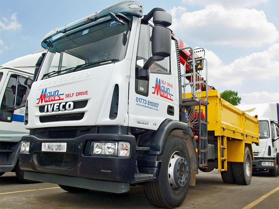 18t Tipper Grab Crane Lorry Hire - Muckaway Tipper with Front Mounted Loader