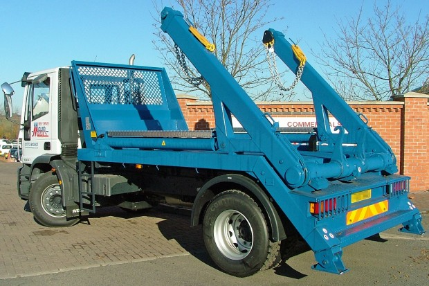 18 tonne Skip Wagon Lorry Rental 04