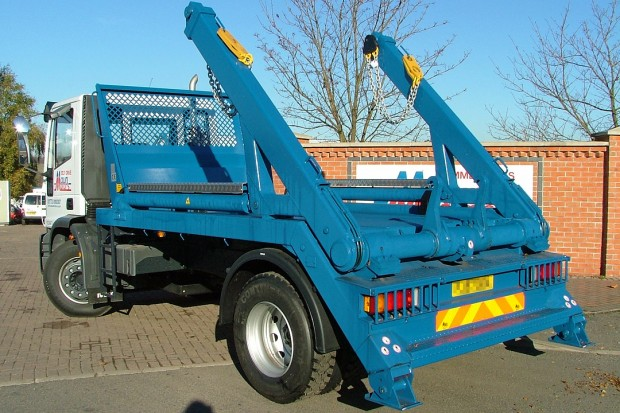 18 tonne Skip Wagon Lorry Rental 05