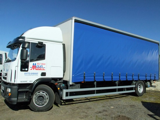 18t Curtain Side Sleeper Cab Tail lift Iveco 03