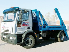 18 tonne Skip lorry skip loader Wagon Hire from Maun Motors