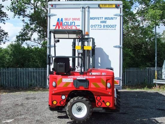 26 tonne Moffett Curtain Side Day Cab Rental 06