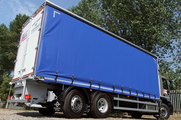 26 tonne Tautliner Moffett Curtain Side Day Cab Rental 07