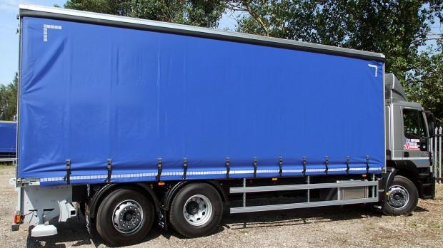 26 tonne Moffett Curtain Side Day Cab Rental 09 Tautliner