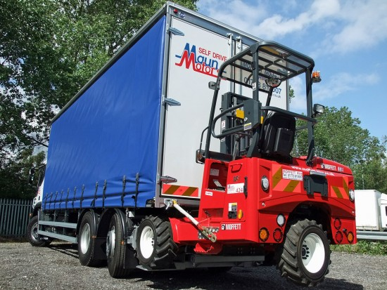 26 tonne Moffett Curtain Side Sleeper Cab Rental 09