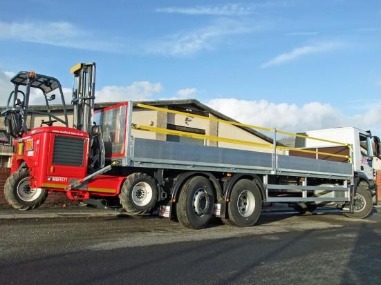 26 tonne Moffett Dropside Day Cab Rental 11