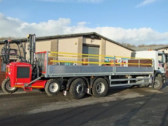 26 tonne Moffett Dropside Day Cab Rental 12