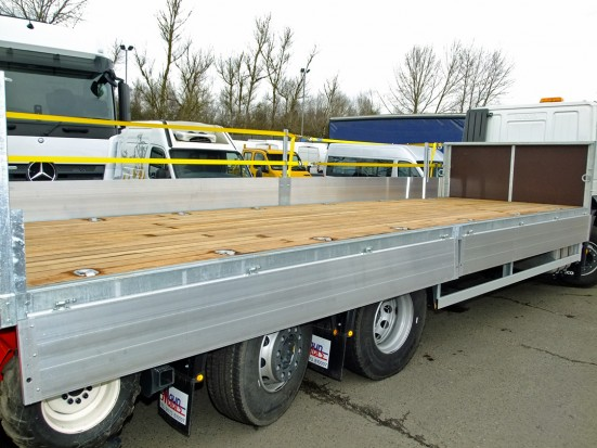 26 tonne Moffett Dropside Day Cab Rental 16