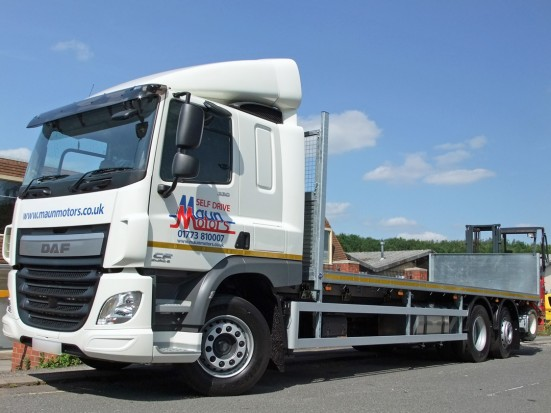 26 tonne Moffett Flatbed Sleeper Cab Rental 02