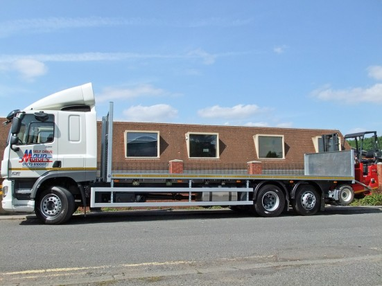 26 tonne Moffett Flatbed Sleeper Cab Rental 04