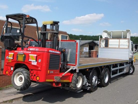 26 tonne Moffett Flatbed Sleeper Cab Rental 09