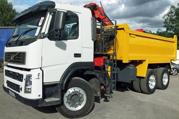 26 tonne Muckaway Tipper Grab Rental 02