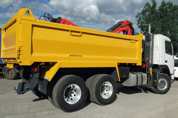 26 tonne Muckaway Tipper Grab Rental 03