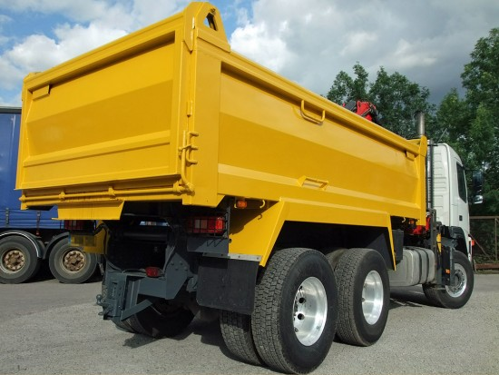26 tonne Muckaway Tipper Grab Rental 04