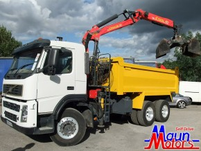 Tipper Grab Hire - 26 tonne Muckaway Tipper Grab Crane Lorry Rental from Maun Motors Self Drive hire