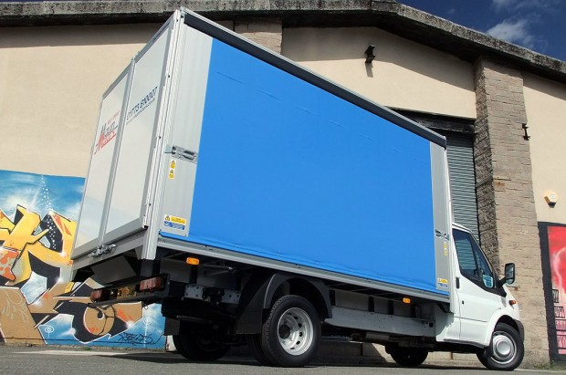 3-5t Curtain Side Van Transit Rental 04