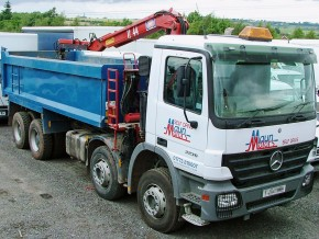 Grab lorry hire - 32 tonne 8 wheel Tipper Grab Muckaway Crane Lorry Rental from Maun Motors Self Drive truck hire