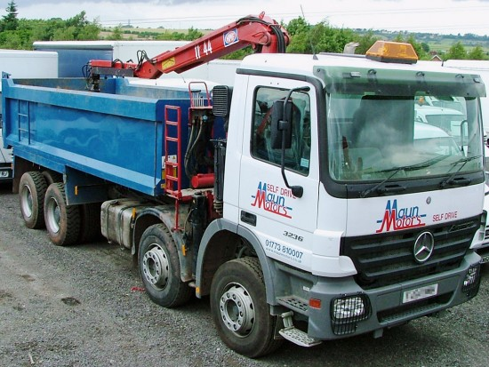 32 tonne 8 wheel Tipper Grab Muckaway Rental