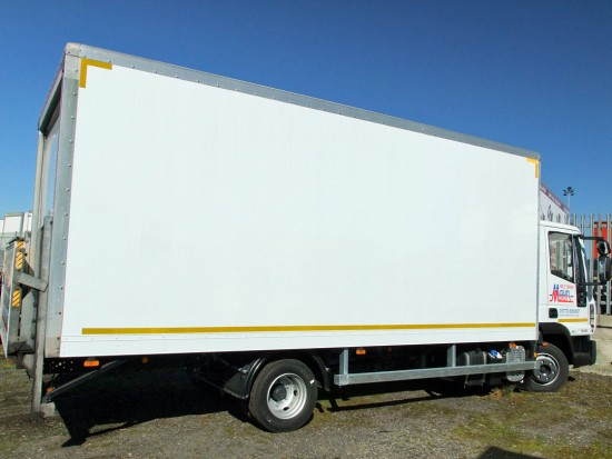 7-5 tonne Box Van with Tail Lift Hire 05