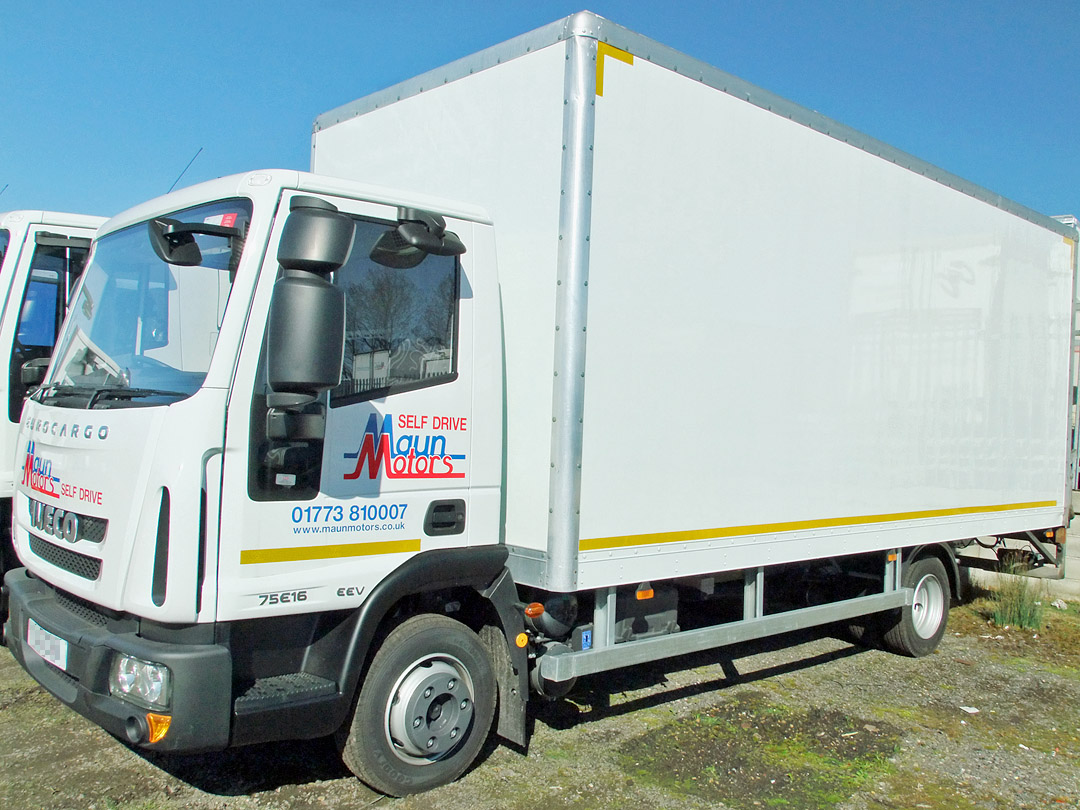 7.5t Box Van Hire without Tail Lift - Day Cab