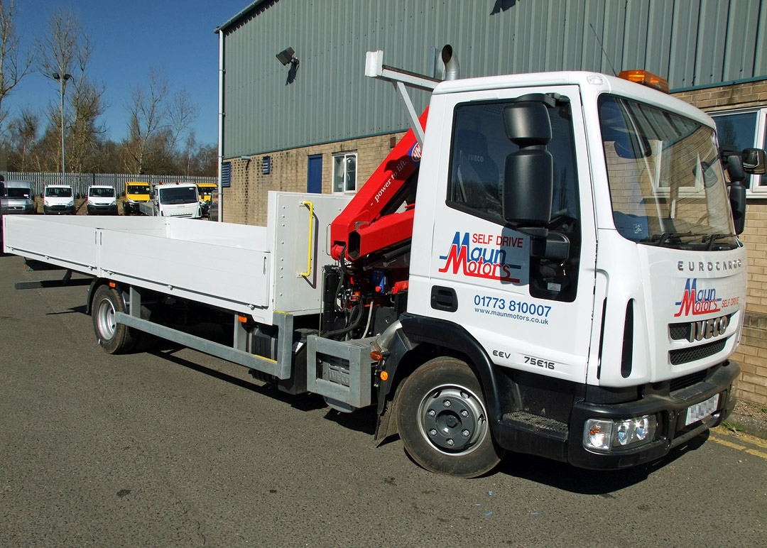 7.5t Crane Lorry – Dropside with Crane, Front Mounted Loader