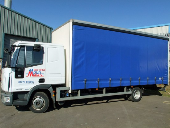 7-5 tonne Curtain Side Tautliner Lorry Rental Sleeper Cab 03