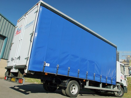 7-5 tonne Curtain Side Lorry Rental Sleeper Cab 04