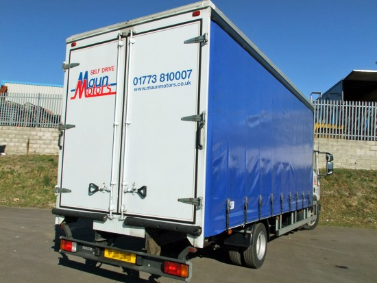 7-5 tonne Curtain Side Lorry Rental Sleeper Cab 05