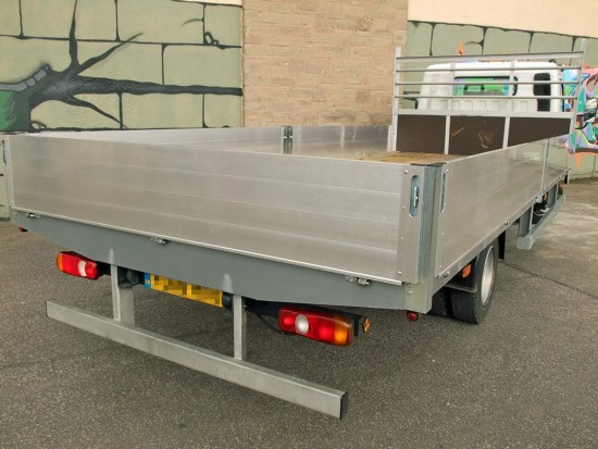 7-5 tonne Fuso Canter Dropside Rental 08