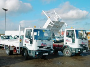 Tipper truck hire - 7.5 tonne HGV Tipper Lorry Rental from Maun Motors Self Drive truck hire