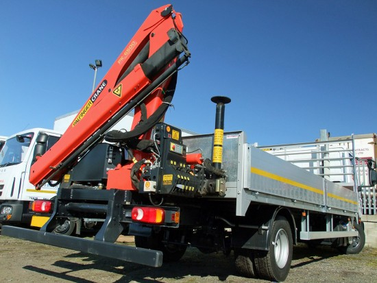 7-5t Dropside Rear-Mount Crane Rental 04