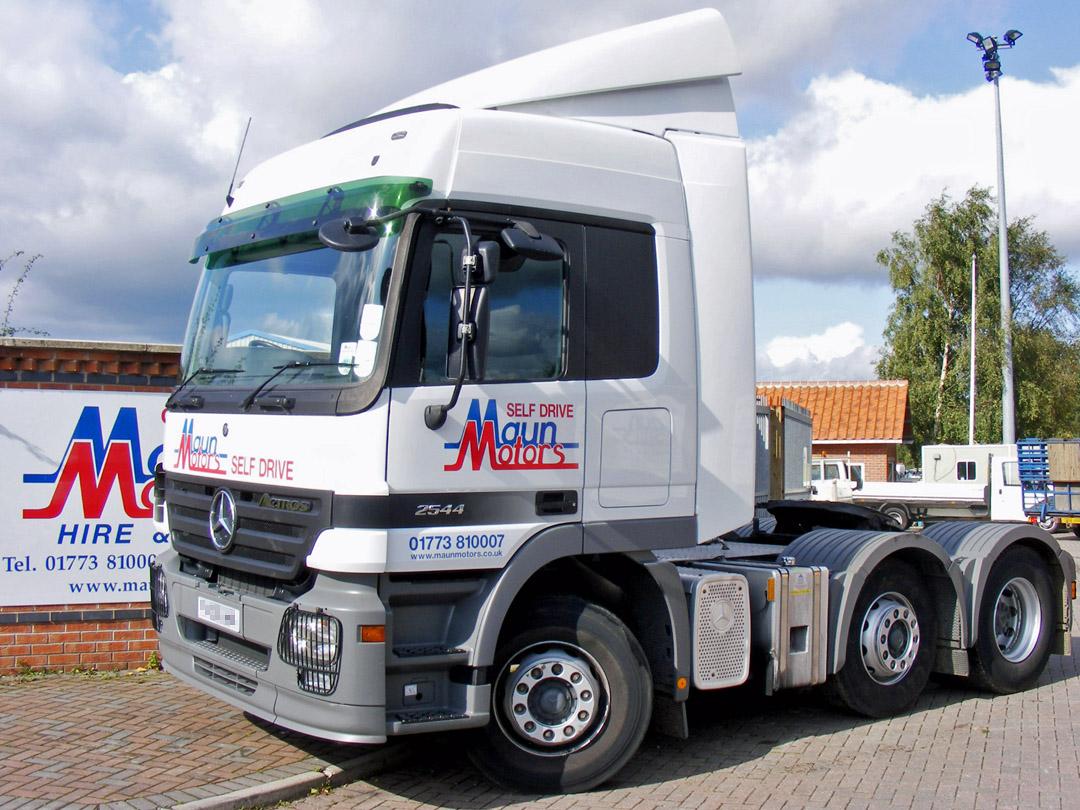 Tractor Unit, 6×2 – Euro 5 – e.g. Volvo FM 440