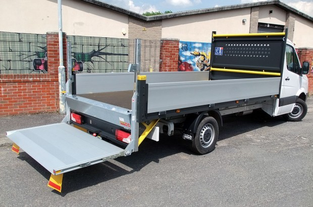 Dropside Tail Lift Towbar Tachograph 3T Rental 04