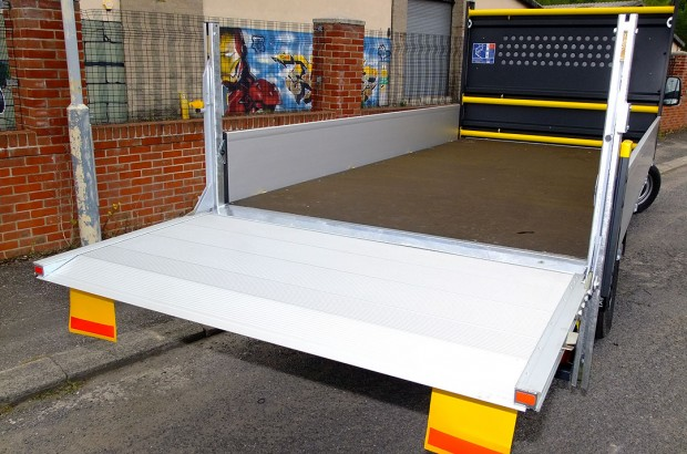 Dropside Tail Lift Towbar Tachograph 3T Rental 06