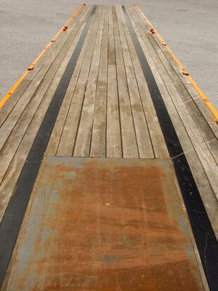 Flatbed Tri-Axle Moffett Trailer_HIRE_06b