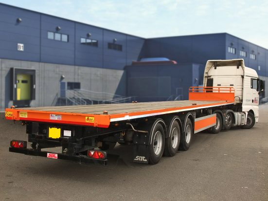 Flatbed Tri-Axle Moffett Trailer_HIRE_08e