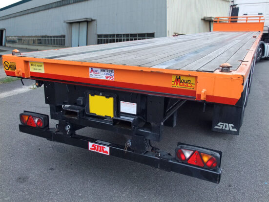 Flatbed Tri-Axle Moffett Trailer_HIRE_10b