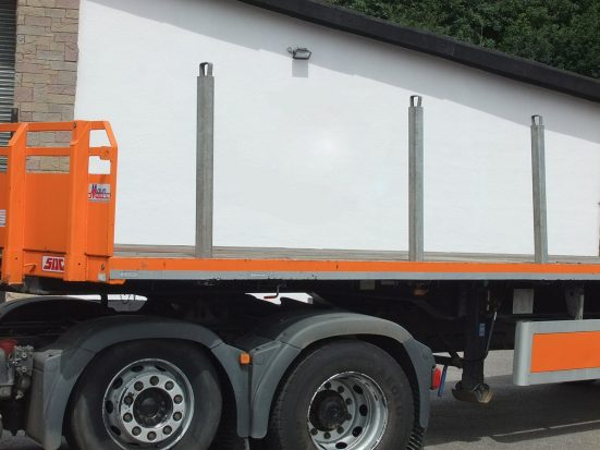 Flatbed Tri-Axle Moffett Trailer_HIRE_13