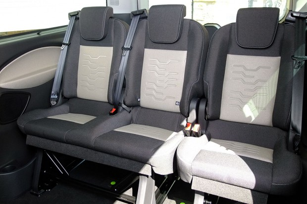 Ford Tourneo Custom 9 Seat Rental 06