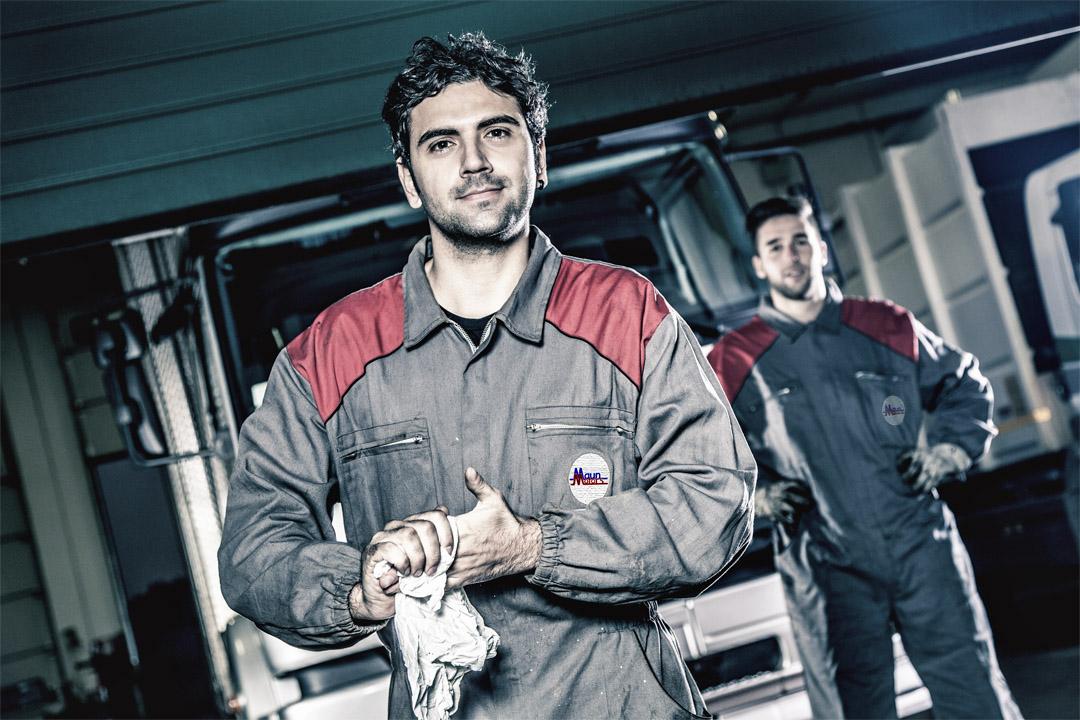 HGV Truck mechanics jobs and Welder Fabricator LCV Commercial Vehicle Body Builder Jobs