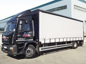 18t Curtainside Truck Rental - 18 tonne GVW Curtain Side Tautliner Lorry with Tail Lift Hire