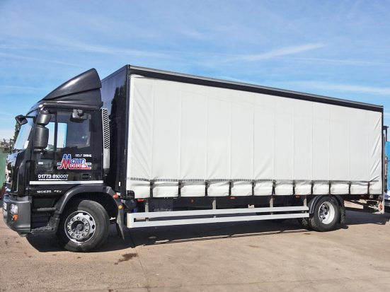 Iveco 18t Curtain & Tail Lift + Logo_HRE_02z