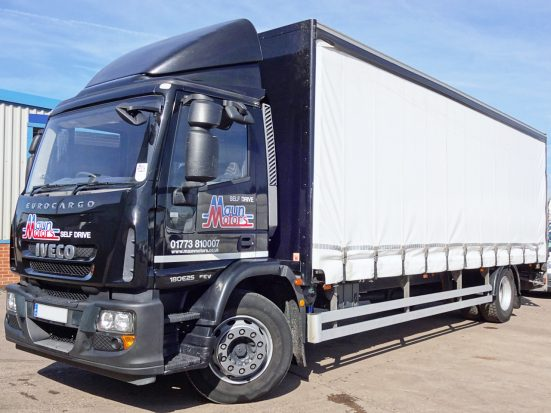 Iveco 18t Curtain & Tail Lift + Logo_HRE_04z