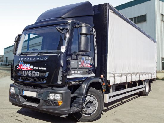 Iveco 18t Curtain & Tail Lift + Logo_HRE_05z
