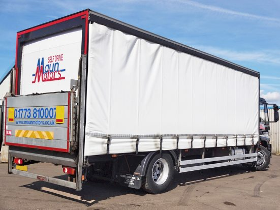 Iveco 18t Curtain & Tail Lift + Logo_HRE_06z