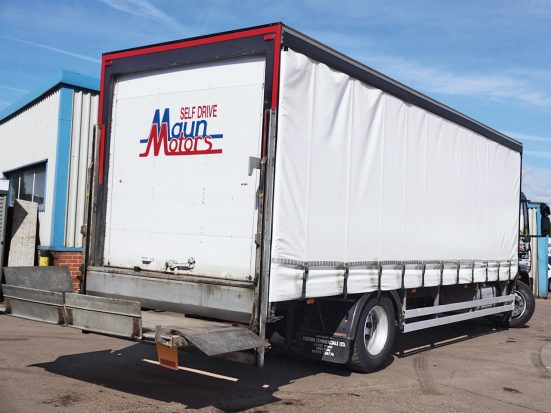 Iveco 18t Curtain & Tail Lift + Logo_HRE_09z